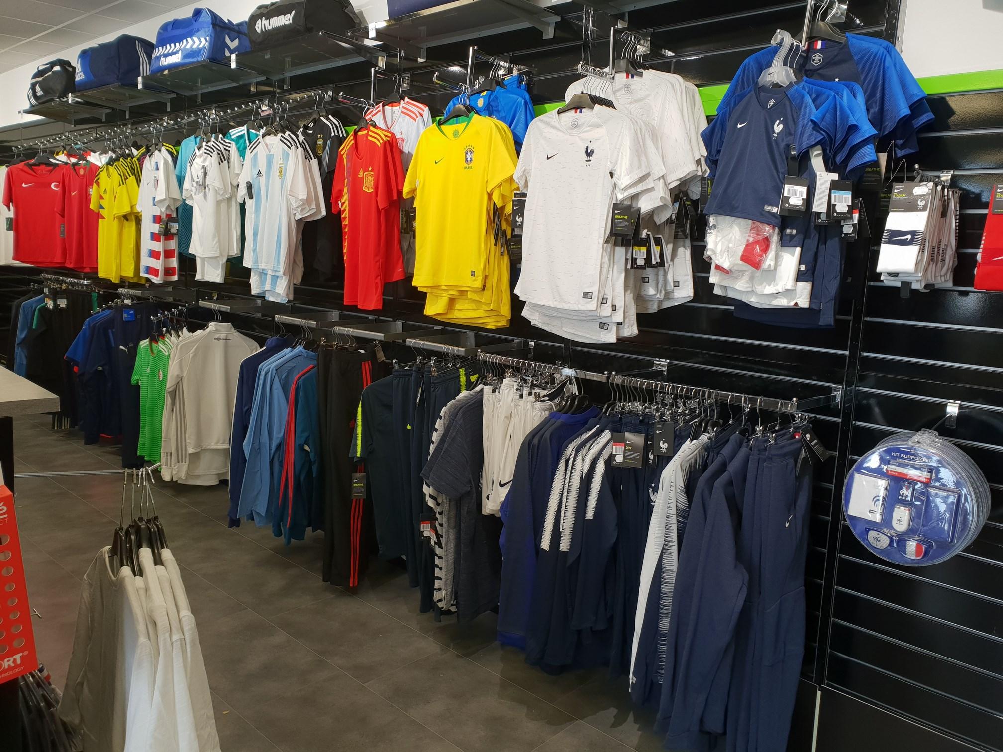 Réplicas maillots de Football à Colmar
